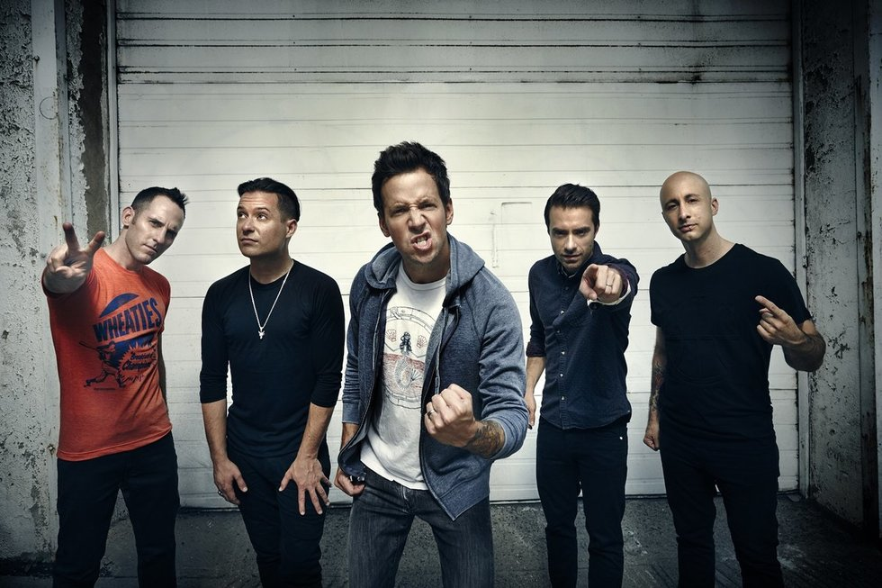 """Kanadiečių rokeriai """"Simple Plan"""" (nuotr. Organizatorių)"""