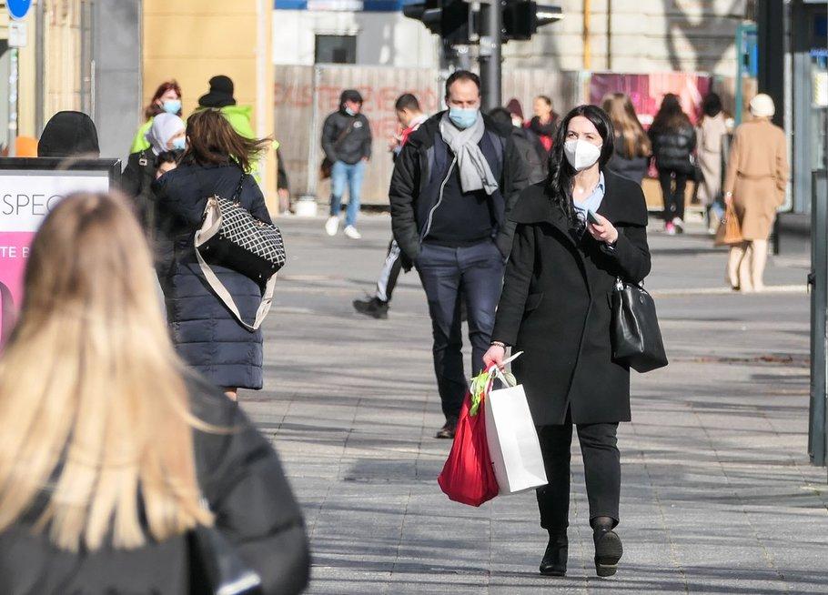 Žmonės Suomijos gatvėse