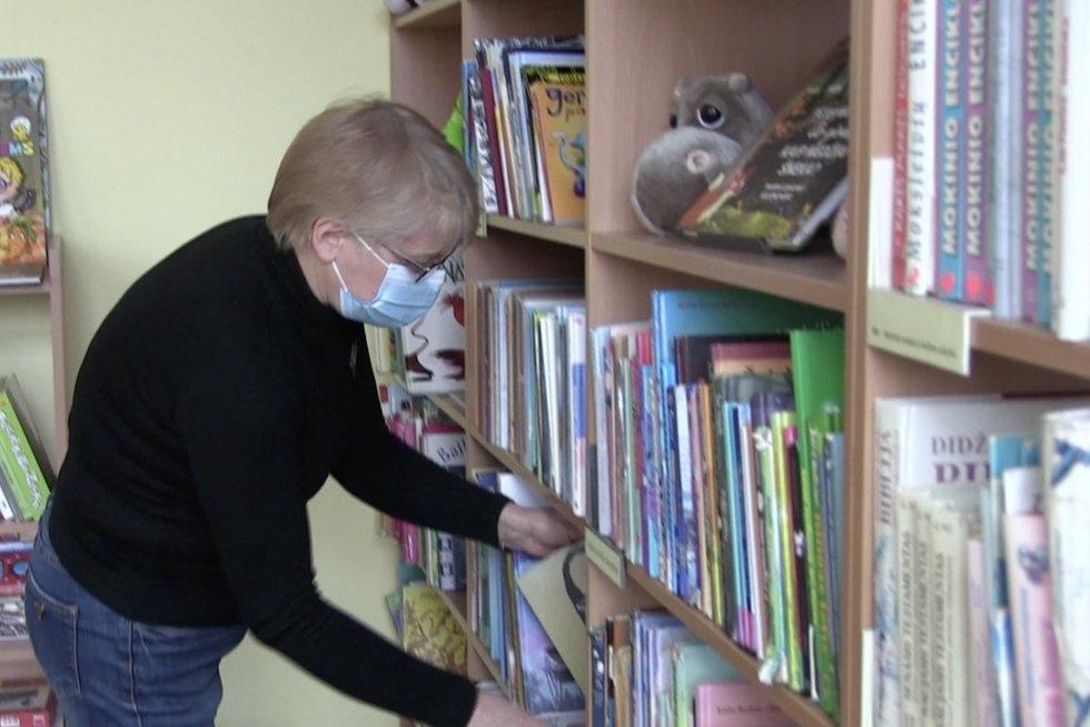Bibliotekininkė (nuotr. stop kadras)
