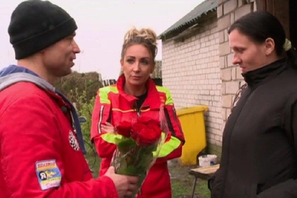 Nusprendęs pasipiršti mylimajai šaukiasi pagalbos: taip elgtis negalima (nuotr. TV3)