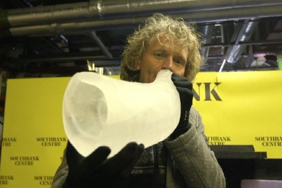 Įspūdingą muzikos reginį norvegas kuria ledo instrumentais