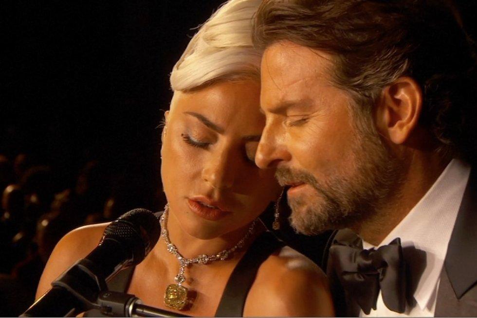 Oskarų ceremonijoje – jaudinantis Cooperio ir Lady Gagos pasirodymas