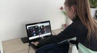 Namie prie kompiuterių įkalinti vaikai kenčia nuo viršsvorio, suprastėjo regėjimas iremocinė būklė (nuotr. stop kadras)