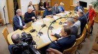V. Sutkus ir M. Zalatorius Biudžeto ir finansų komitete (apibraukti)