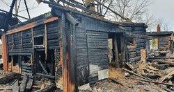 Prie lovos prikaustytas vyras neišsigelbėjo iš gaisro Vilniaus rajone