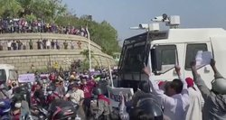 Pasaulis smerkia kruviniausią po karinio perversmo dieną Mianmare