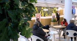 Bankai Lietuvoje brangina paslaugas, o žmonės jų paslaugų atsisako radę, kur pigiau