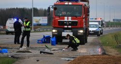 Aiškėja aplinkybės, kaip žuvo 50-erių vilkiko vairuotojas