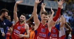 """Po dramatiškos kovos ir pratęsimo Eurolygos čempionais tapo Maskvos """"CSKA"""" krepšininkai"""