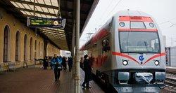 Ribojimai gyventojams nė motais – savaitgalio bilietai populiariais traukinių maršrutais jau iššluoti