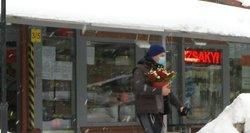 Valentino dienos proga tautiečiai suplūdo ir į prekybos centrus, ir į gėlių turgelius