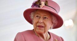 Po Harry and Meghan kirčio karališkajai šeimaiBakingamo rūmus purto krizė: karalienė ėmėsi skubių veiksmų