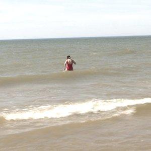 Staiga atplūdusia šiluma besimėgaujantyslietuviaijau neria ir į jūrą