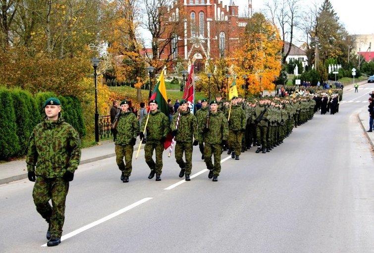 Lietuvos kariuomenė į atsargą išleis beveik tūkstantį šauktinių (nuotr. KAM)