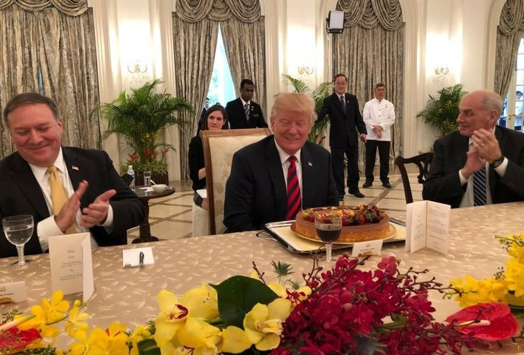 Skaičiuojamos paskutinės valandos: istorinis JAV ir Šiaurės Korėjos lyderių susitikimas (nuotr. SCANPIX)