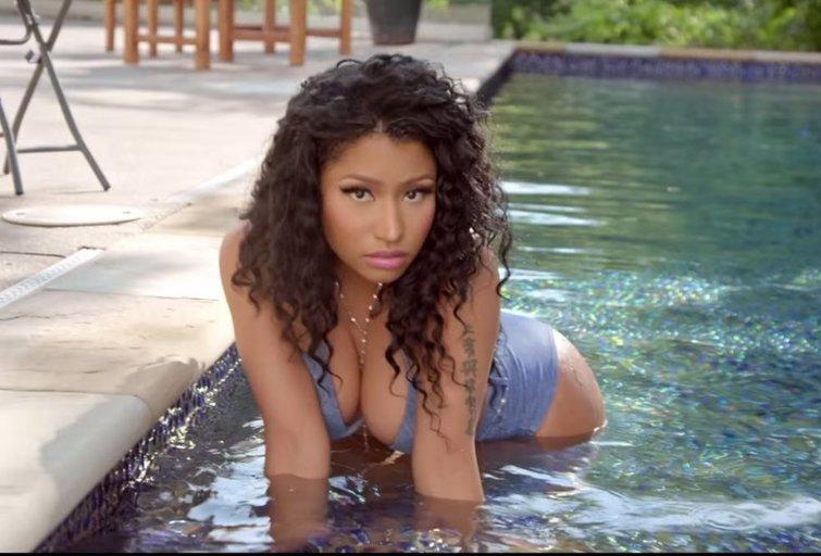 Daug prisirpusio užpakalio: Nicki Minaj ir jos mylimasis pristatė bendrą vaizdo klipą  (nuotr. YouTube)