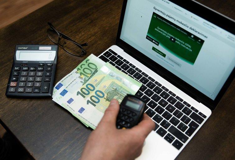 Deklaruoti pajamas reikia iki gegužės 3 d. (nuotr. Fotodiena/Justino Auškelio)
