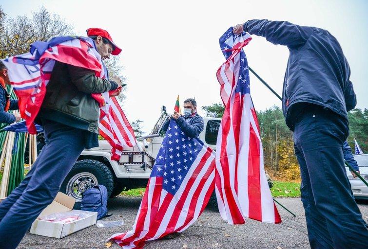 Vilniuje surengta dar viena palaikymo akcija JAV prezidentui (nuotr. K. Polubinska/ fotodiena.lt)
