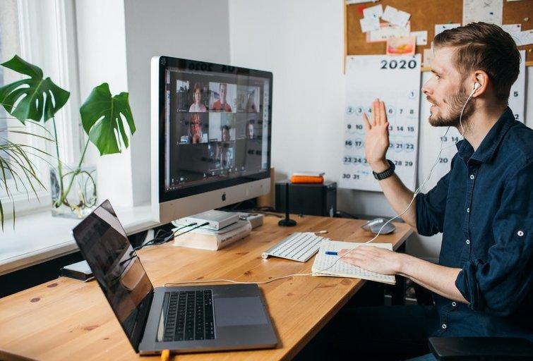 Darbas iš namų (asociatyvi nuotrauka) (nuotr. Shutterstock.com)