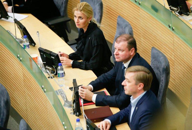 Greta Kildišienė, Saulius Skvernelis, Ramūnas Karbauskis (nuotr. Fotodiena.lt)