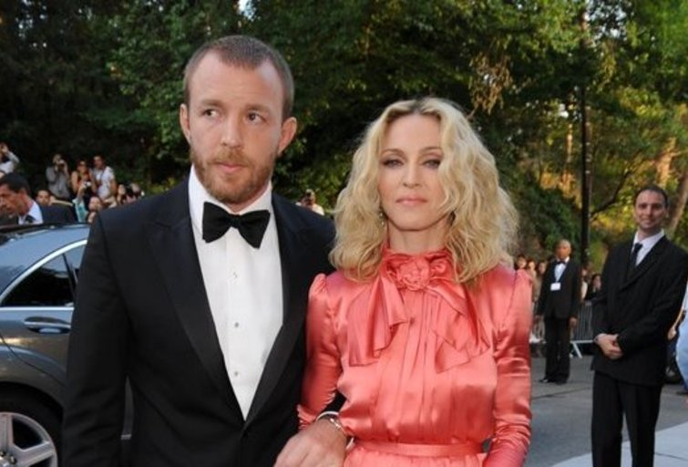 Madonna ir Guy Ritchie (nuotr. Vida Press)
