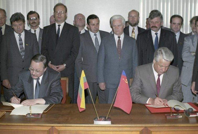 Štai ir sulaukėme: Rusijos Dūmoje suabejota Lietuvos nepriklausomybės teisėtumu (nuotr. SCANPIX)