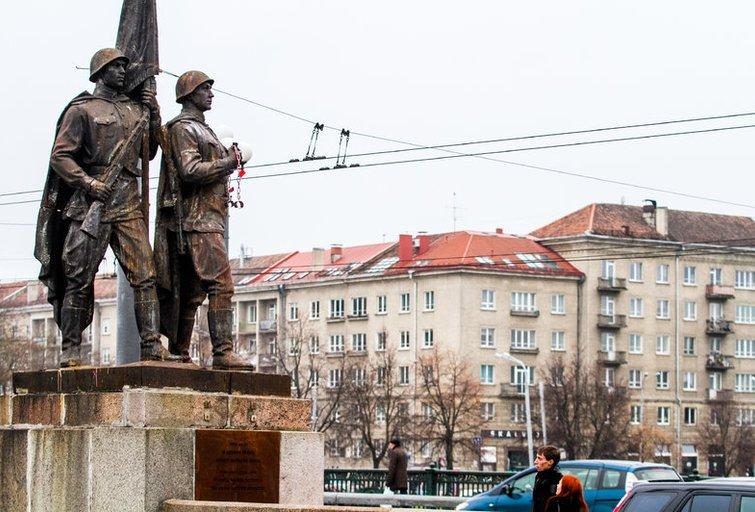 Žaliojo tilto skulptūros (nuotr. Balsas.lt/Ruslano Kondratjevo)