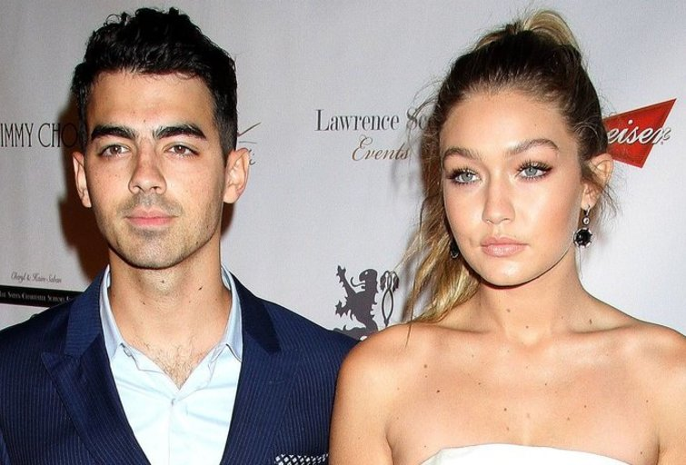 Gigi Hadid ir Joe Jonas (nuotr. Vida Press)