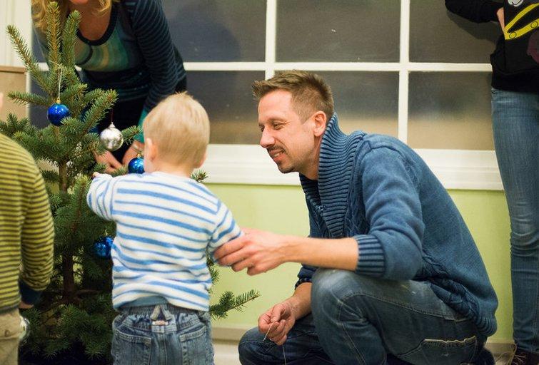 L.Adomaičio fondo kalėdinės dovanos likimo nuskriaustiems vaikučiams (nuotr. Organizatorių)