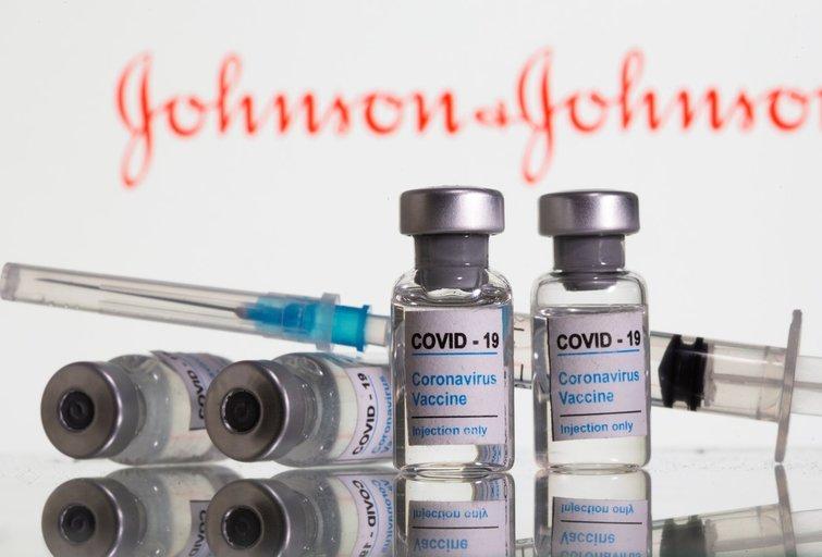"""""""Johnson & Johnson"""" vakcina (nuotr. SCANPIX)"""
