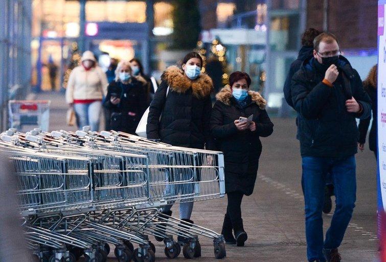 Pirmadienį atsidaro prekybos centrai (nuotr. Fotodiena/Justino Auškelio)