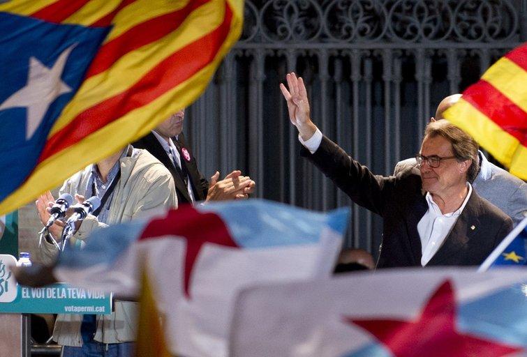 Katalonija balsuoja už nepaklusnumo akcijas žadančius separatistus (nuotr. SCANPIX)