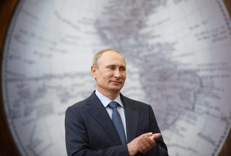 Laukti naujo karo? Putino reitingai nenumaldomai krenta (nuotr. SCANPIX)