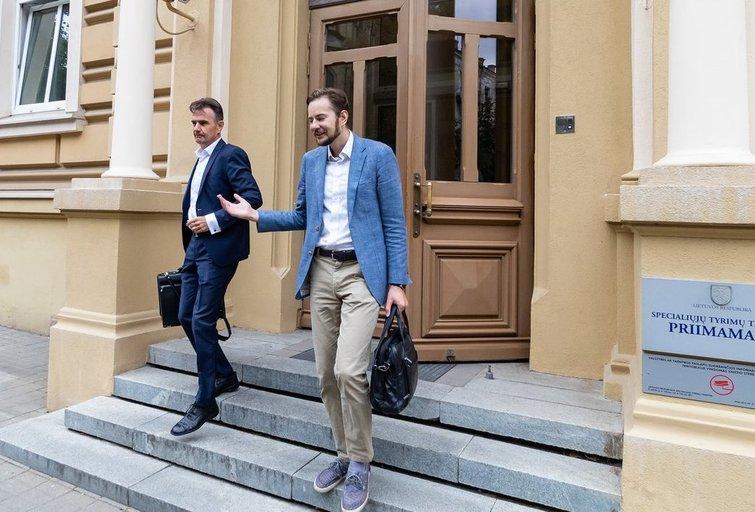 Prekyba poveikiu įtariamas Šarūnas Narbutas iškviestas į STT įspėtas neviešinti bylos duomenų (nuotr. Broniaus Jablonsko)