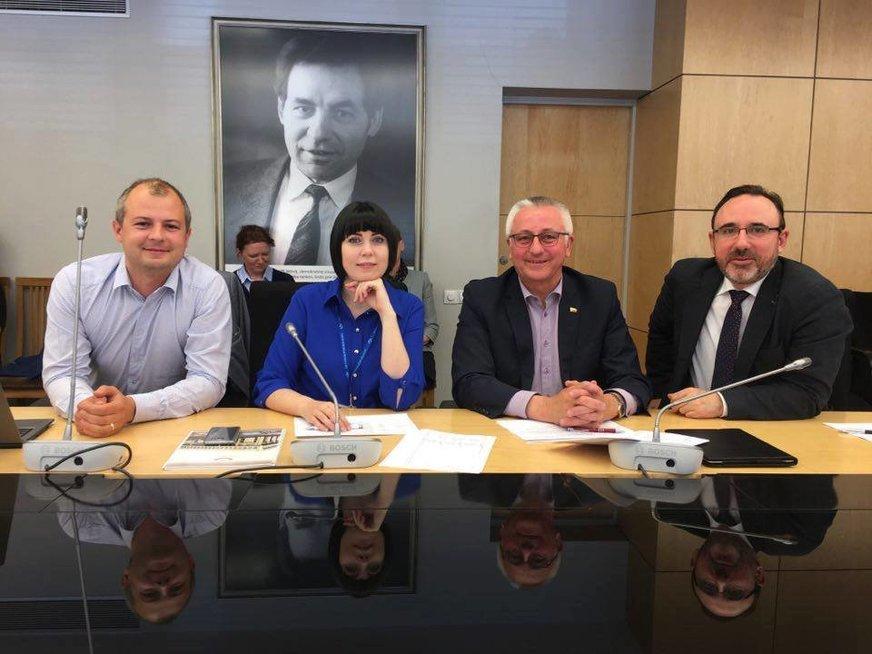 Dovilė Šakalienė Liberalų frakcijoje (nuotr. facebook.com)