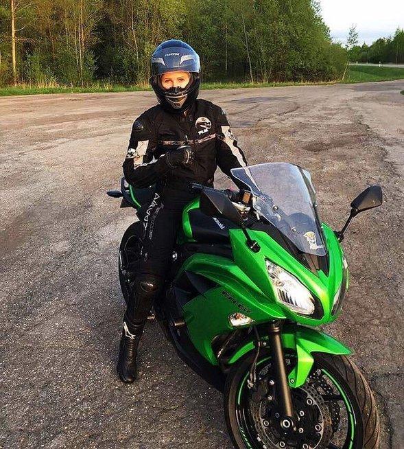 8 metus motociklą vairuojanti panevėžietė atvira – jos svajone vairuoti tikėjo retas