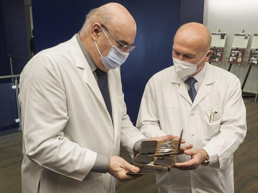 Nacionalinis vėžio institutas kviečia į neeilinę parodą: įamžinti laisvės kovose pasižymėję gydytojai