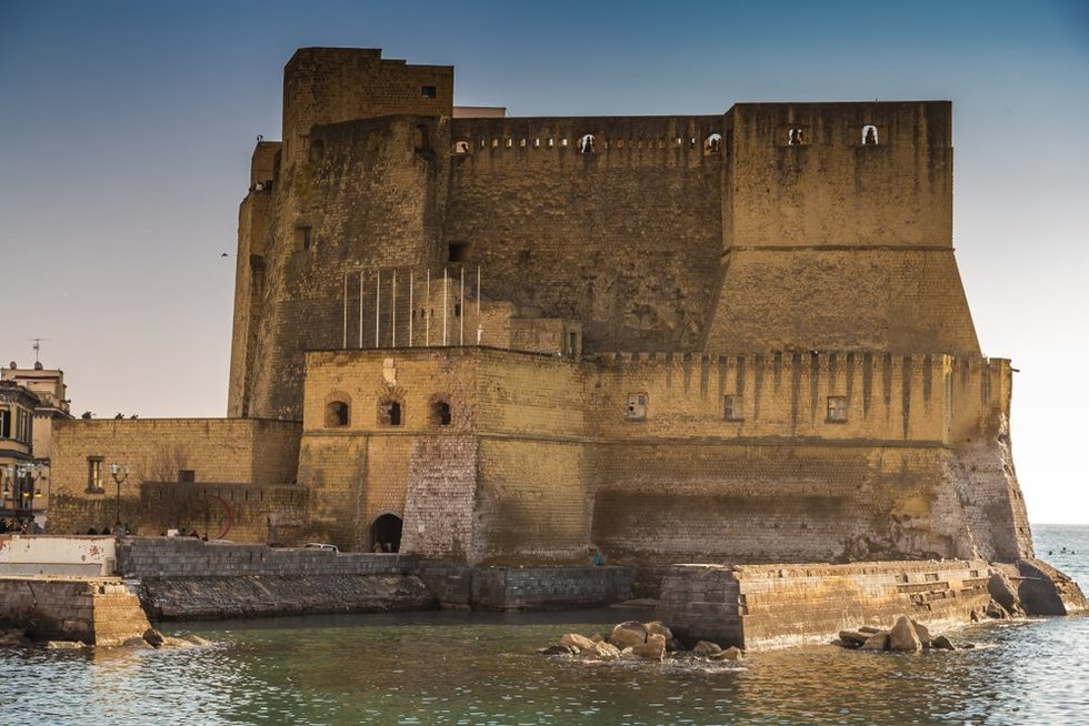 Castel Dell'Ovo, Neapolis