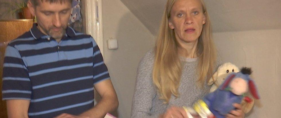 Atimtų vaikų tėvas griebėsi šiaudo: vyko į Kauno vaikų teisių skyrių (nuotr. stop kadras)