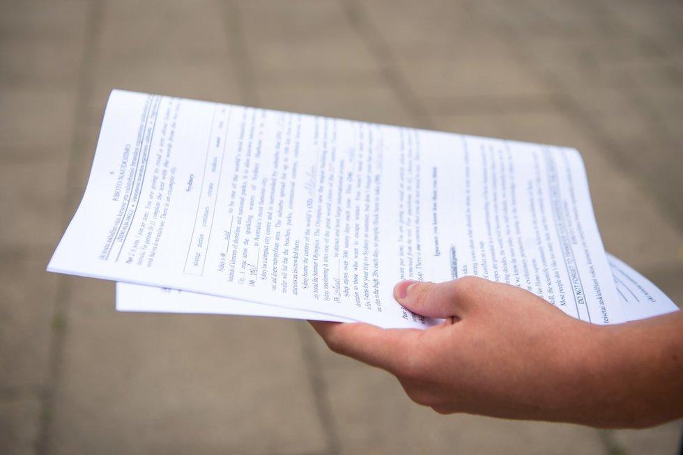 Abiturientai laikė anglų kalbos valstybinį egzaminą