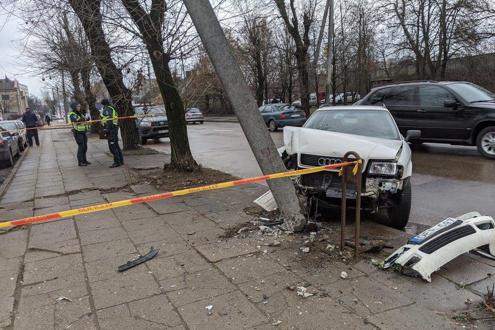 Avarija Vilniaus Panerių gatvėje (nuotr. TV3)