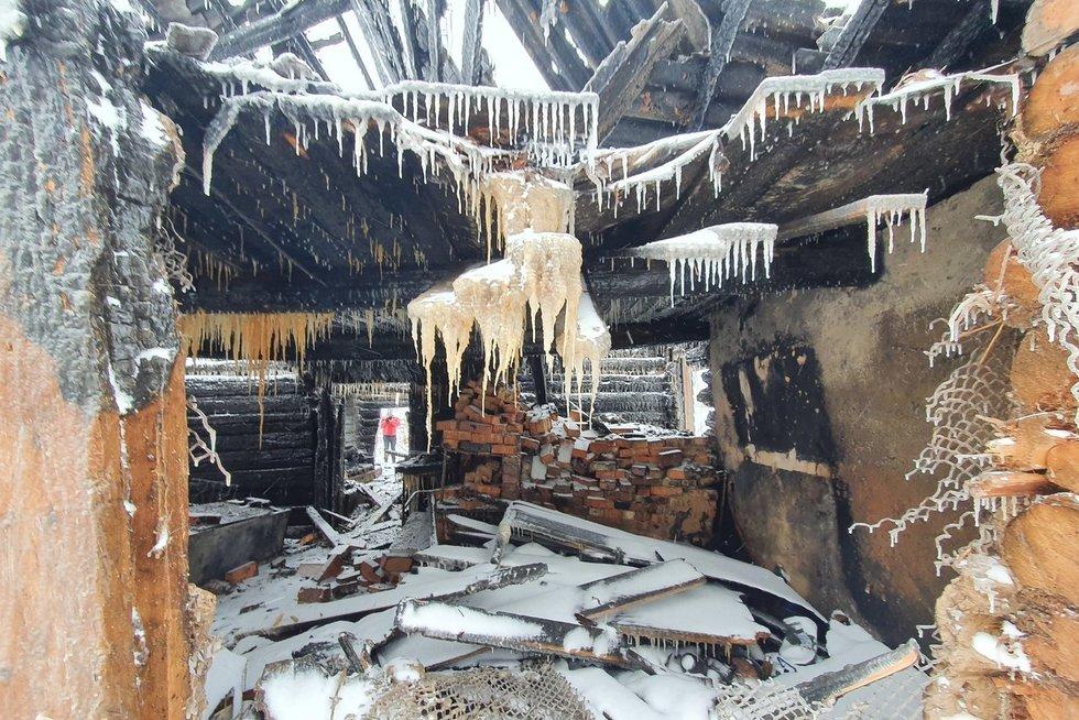 Aiškėja gaisro Zalave priežastys (nuotr. Broniaus Jablonsko)