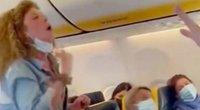Moters užkurta drama lėktuve šokiravo keleivius: viskas dėl veido kaukės  (nuotr. stop kadras)