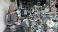 Mažametis dirba fabrike Alepe (nuotr. SCANPIX)