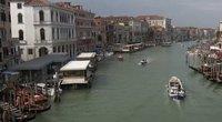 Į Veneciją grįžta šurmulys: miestas atsidūrė baltojoje koronaviruso zonoje (nuotr. stop kadras)