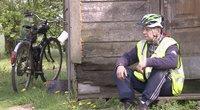 Du zuikiai vienu šuviu: pareigūnai sučiupę neblaivų dviratininką gavo ir kitą dovanų (nuotr. stop kadras)