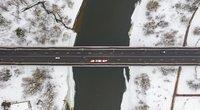 Perorganizuojamas sunkiasvorio transporto eismas Valakampių tiltu (nuotr. S. Žiūros)