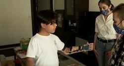 Be plaštakos gimusiam berniukui – 3D spausdintuvu gamintas protezas: juos dovanoja visiems norintiems