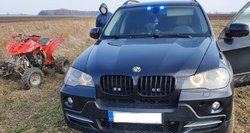 """Naujas """"kelių gaidelių"""" siaubas – policijos visureigis BMW X5"""