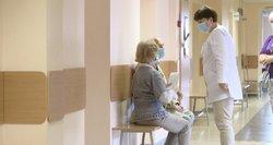 """Medikai skubiai kreipiasi į pacientus ragindami """"grįžti"""": ligoninės tikrai ne tuščios, o užleisto vėžio ir kitų ligų daugėja"""
